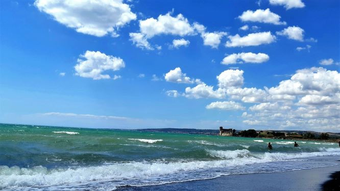 Il castello ed mare