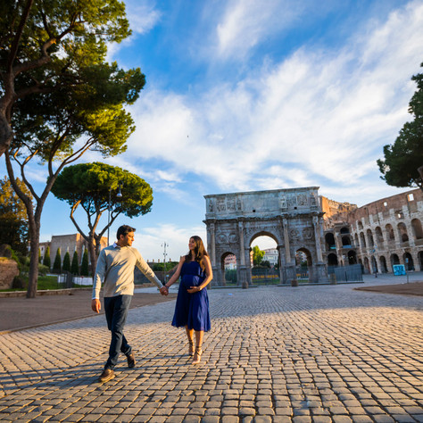 A maternity photo-session at the Colosseum
