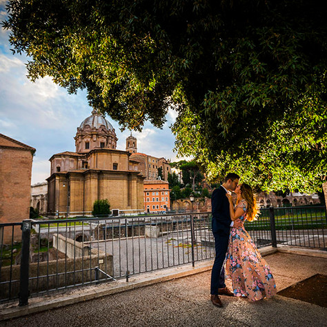 Vaughn + Megan - A perfect surprise proposal in Rome at the Coliseum