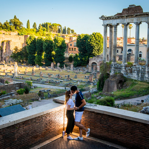 Juan + Laura - A summer surprise-proposal at Colosseum in Rome
