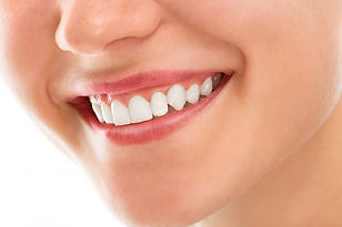 dentist-with-smile_144627-883.jpg