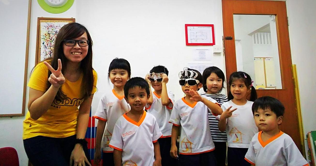 Piano teacher Ying Jie and Kids