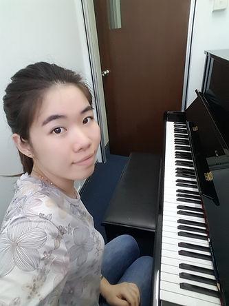 Piano Teacher Cara Lin