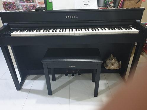 Yamaha CLP-535 - 4 Year Old