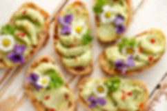 Canapes%20with%20avocado%20paste%20and%2