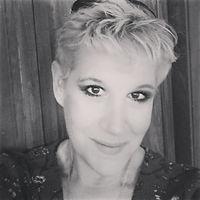 Melissa.headshotbw.jpg