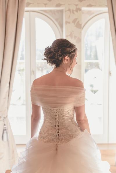 La mariée face à la lumière