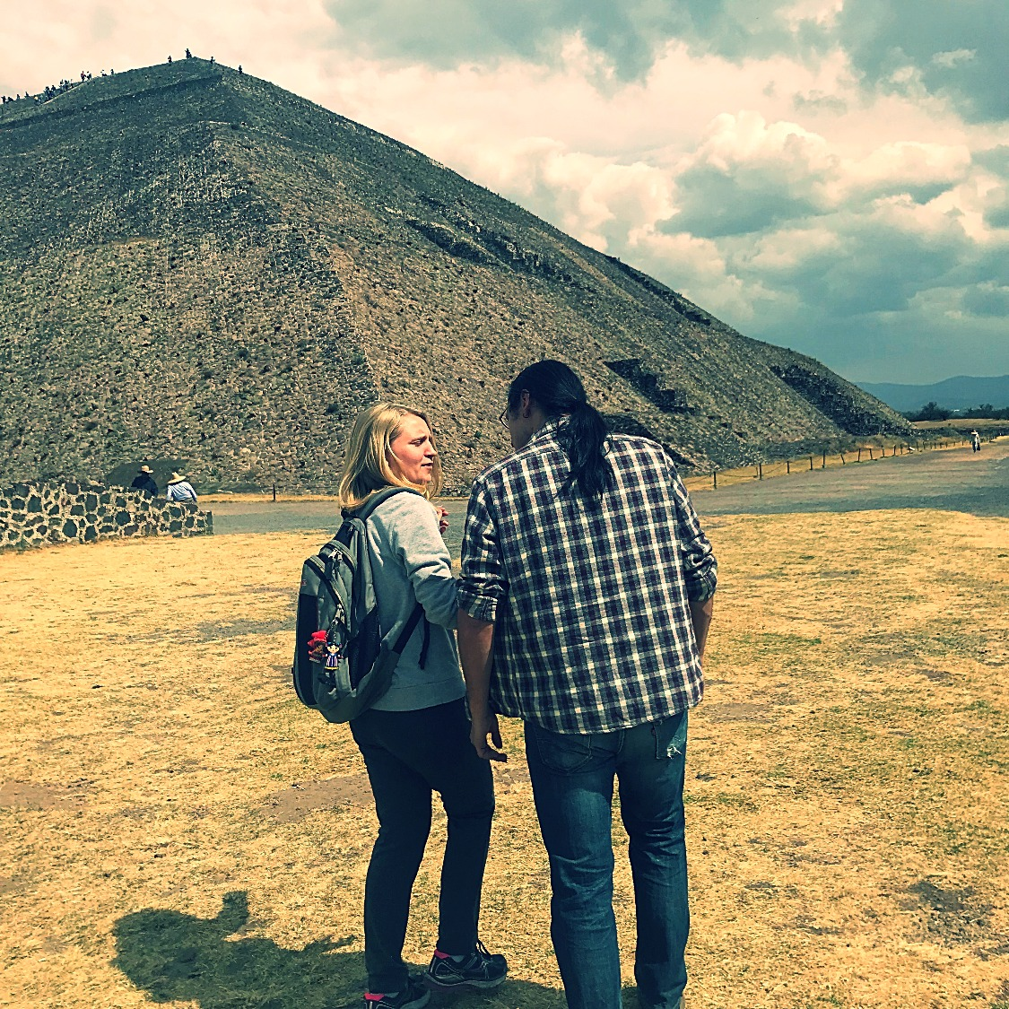 Daniel (our local expert) telling us about how Teotihuacán was a hub of art and commerce at the time.
