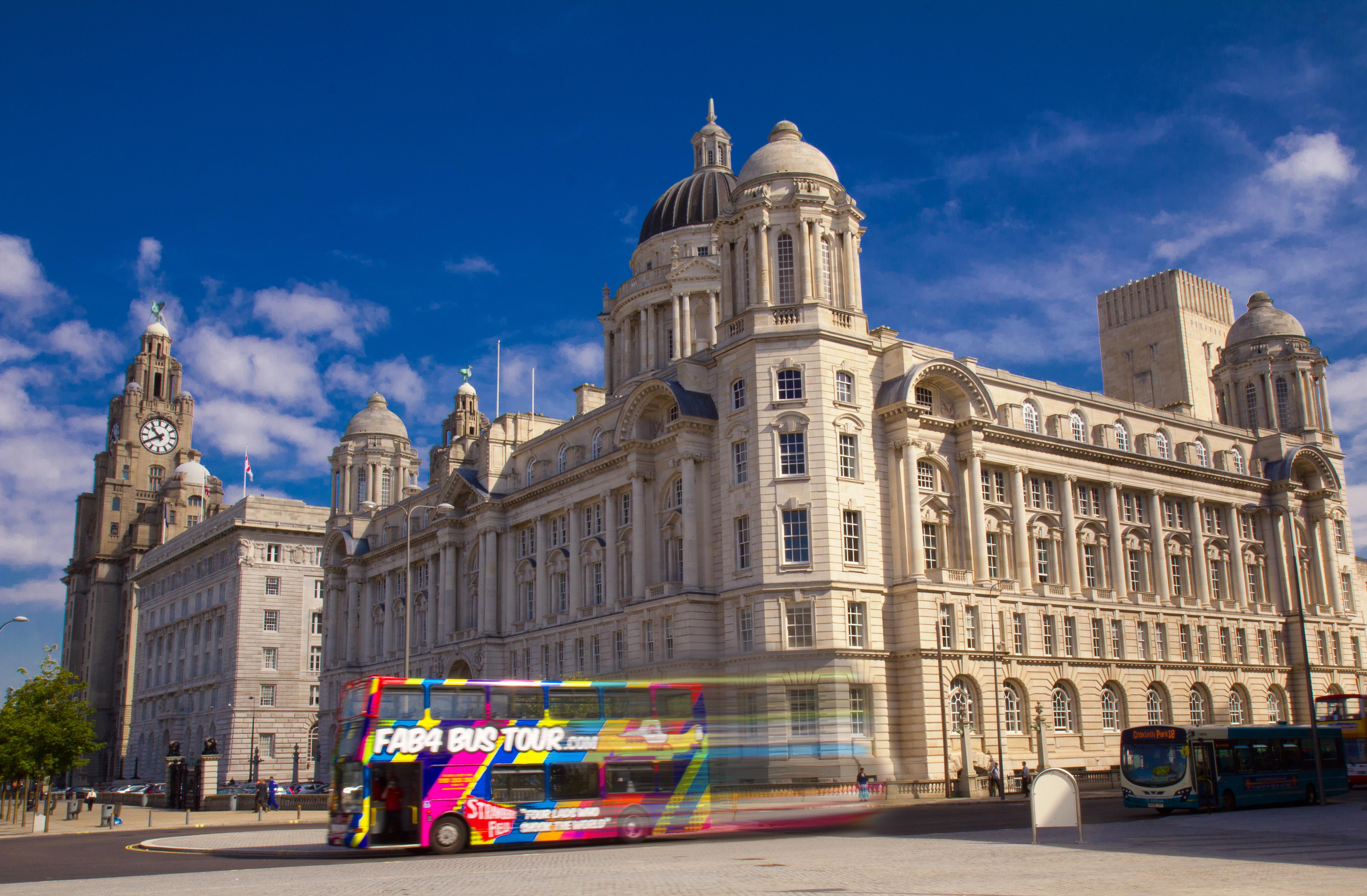 Derek Roberts Fab4 Bus tour