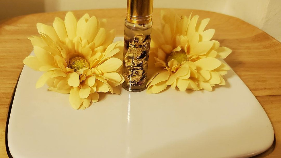 Gold rollerball rose bud gold flake lip oil