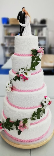 wedding cake BONNET.jpg