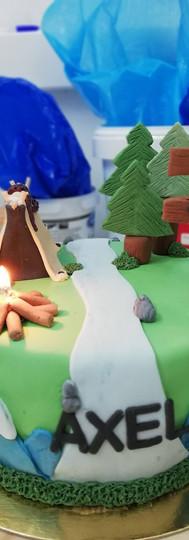 gâteau personnalisé camping