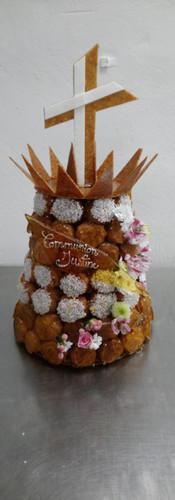 pièce_montée_communion_croix_et_fleurs