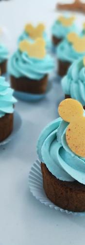 mini_cupcakes_thème_mickey.jpg