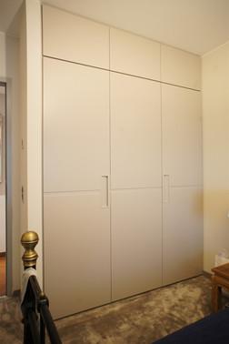 armoire MDF laqué