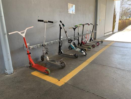 Scooter Parkplatz aus Metall