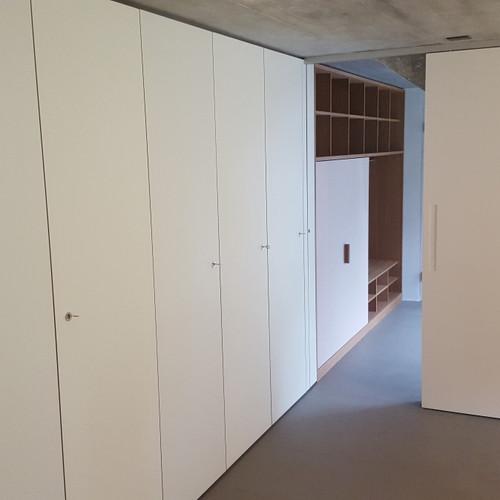 Einbauschrank, Schiebetüre und Garderobe