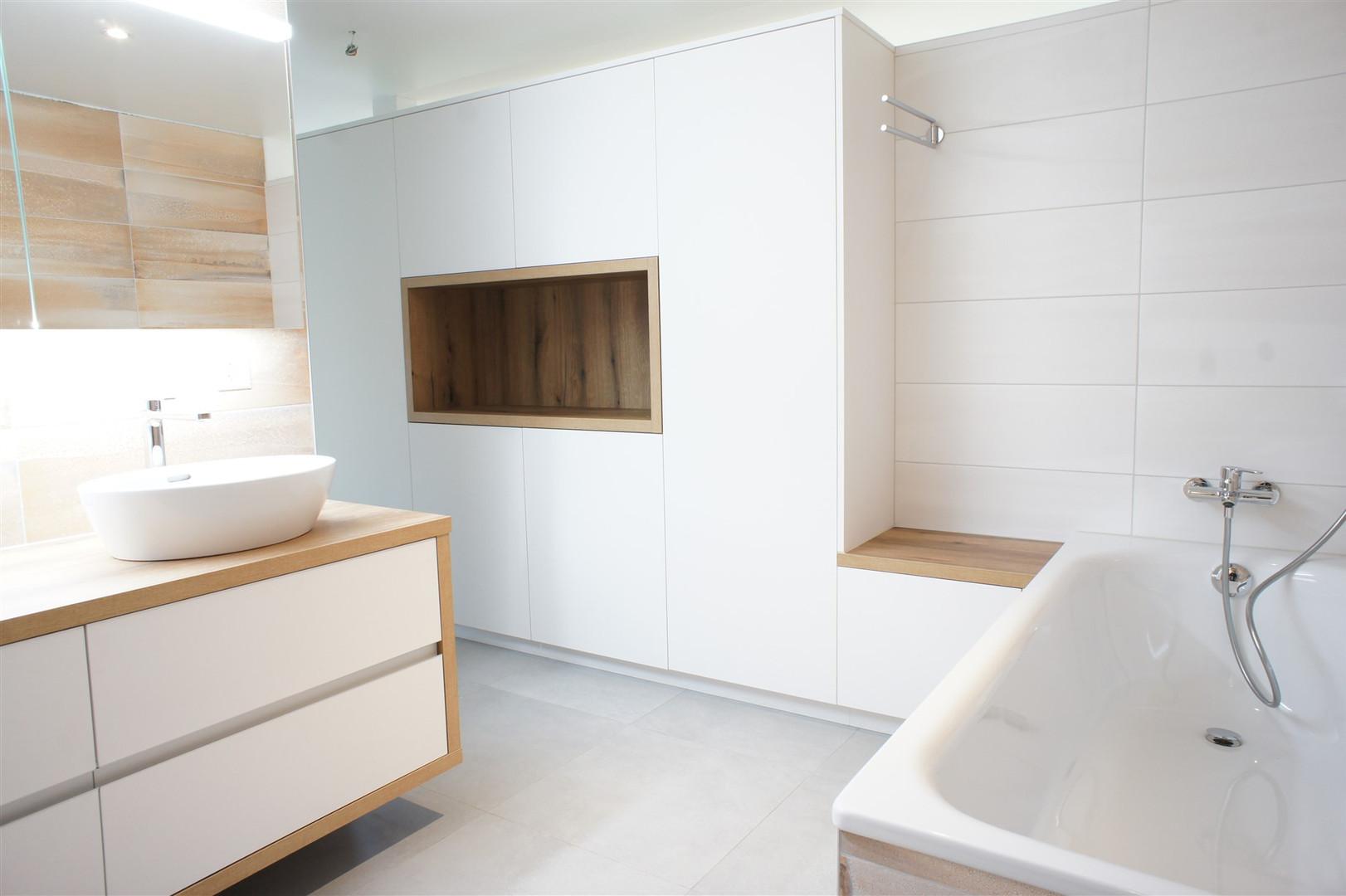 Salle_de_bain-blanche.jpg