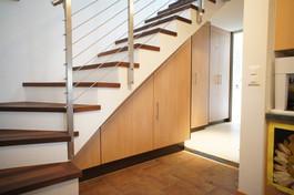 armoire sous escalier