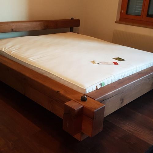 Bett Rustikale Eichenbalken