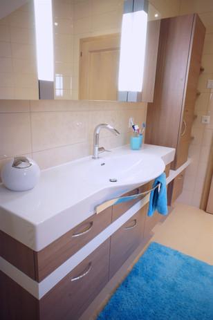 salle de bain stratifié bois