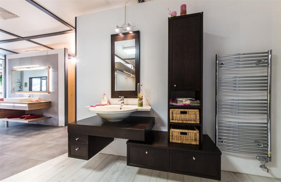 salle de bain chêne teinté brun