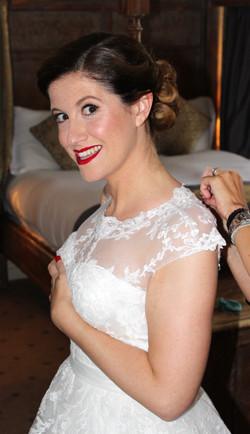 VINTAGE WEDDING MAKEUP ARTIST
