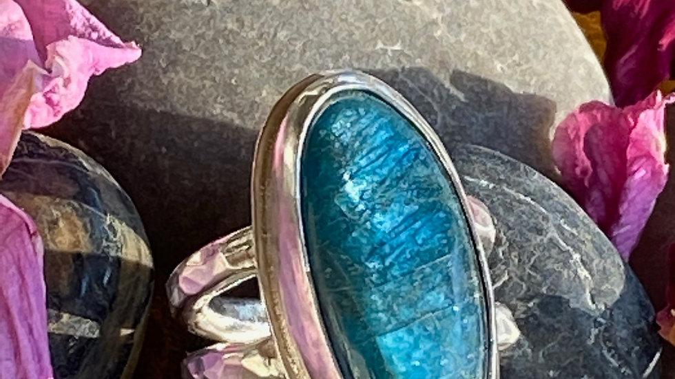 Apatite Ring