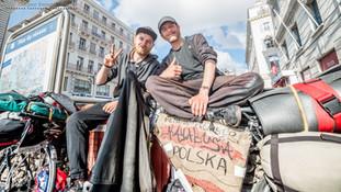 Backpackers Polonais faisant le tour d'Europe à vélo. Marseille. France