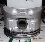 ERR5553 genuine Rover 4.0L pistons 4.JPG
