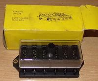 6-way blade fuse box SW226 2.JPG