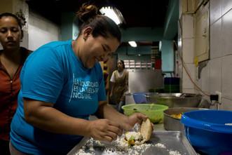 """""""Hago esto como una esperanza"""", madre colaboradora de Alimenta la Solidaridad #MujeresQueLuchan"""