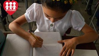 Fe y Alegría inició campaña para que todo estudiante tenga cuaderno y lápiz