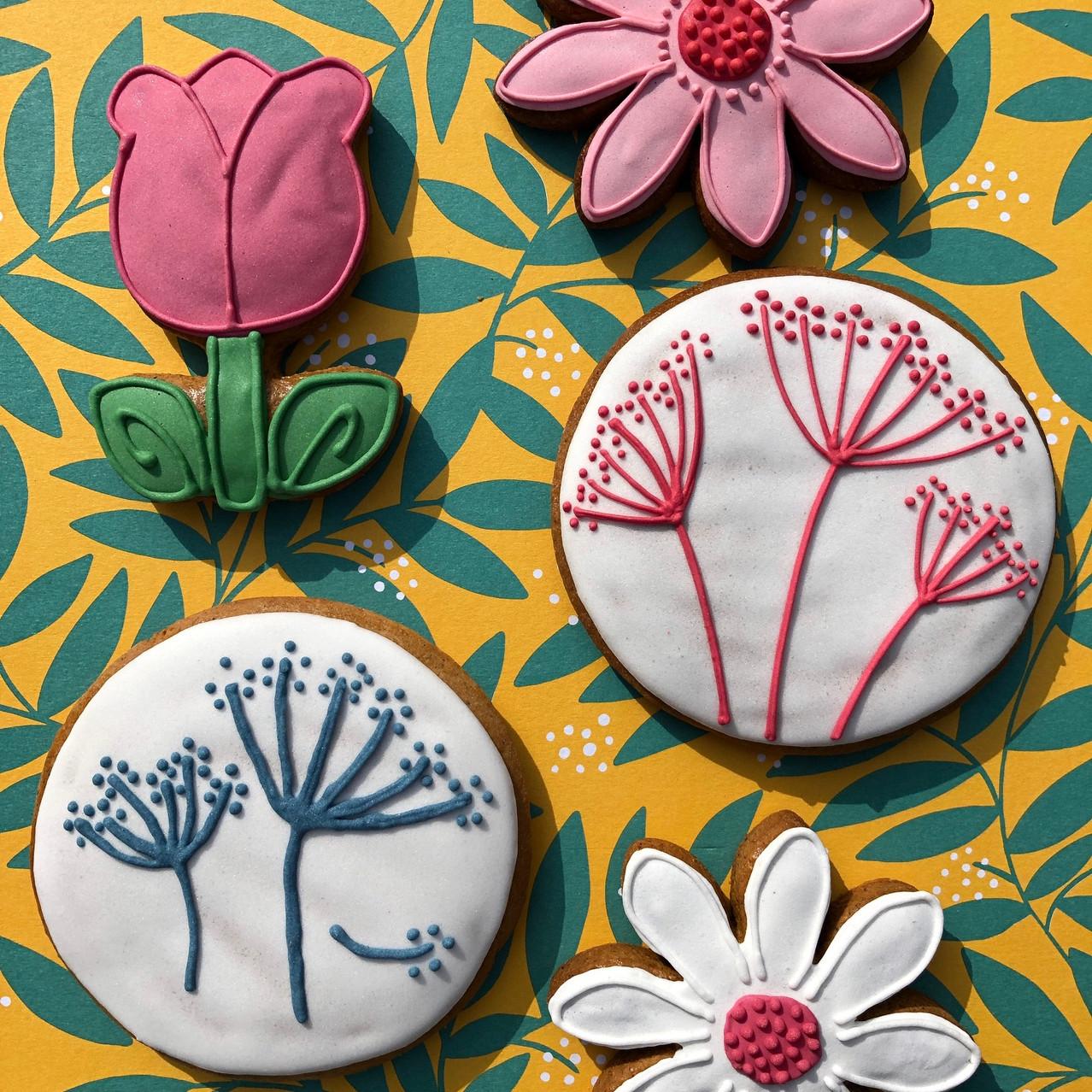 Bramper Biscuits flowers