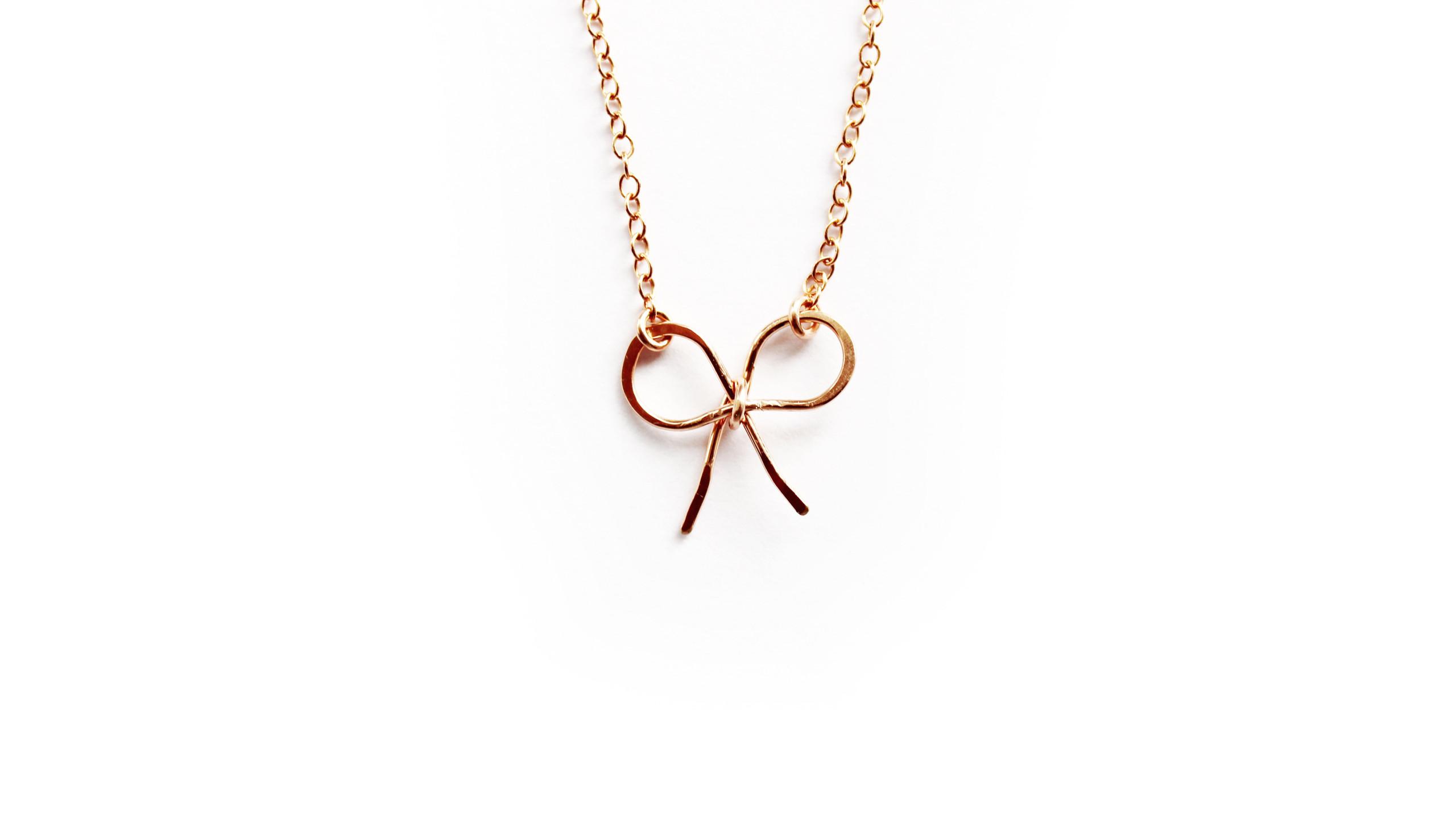 Grace & Flora bow necklace Pridden PR &