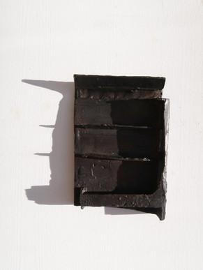 DBienenwachs auf Pappe, 2019, 32 x 30 x 4 cm