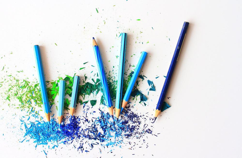 Bleistifte gibt es in vielen bunten Farben.