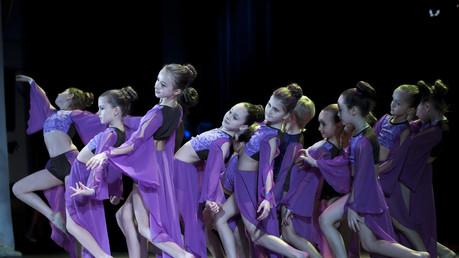 dancing-1979143_1920 (1).jpg