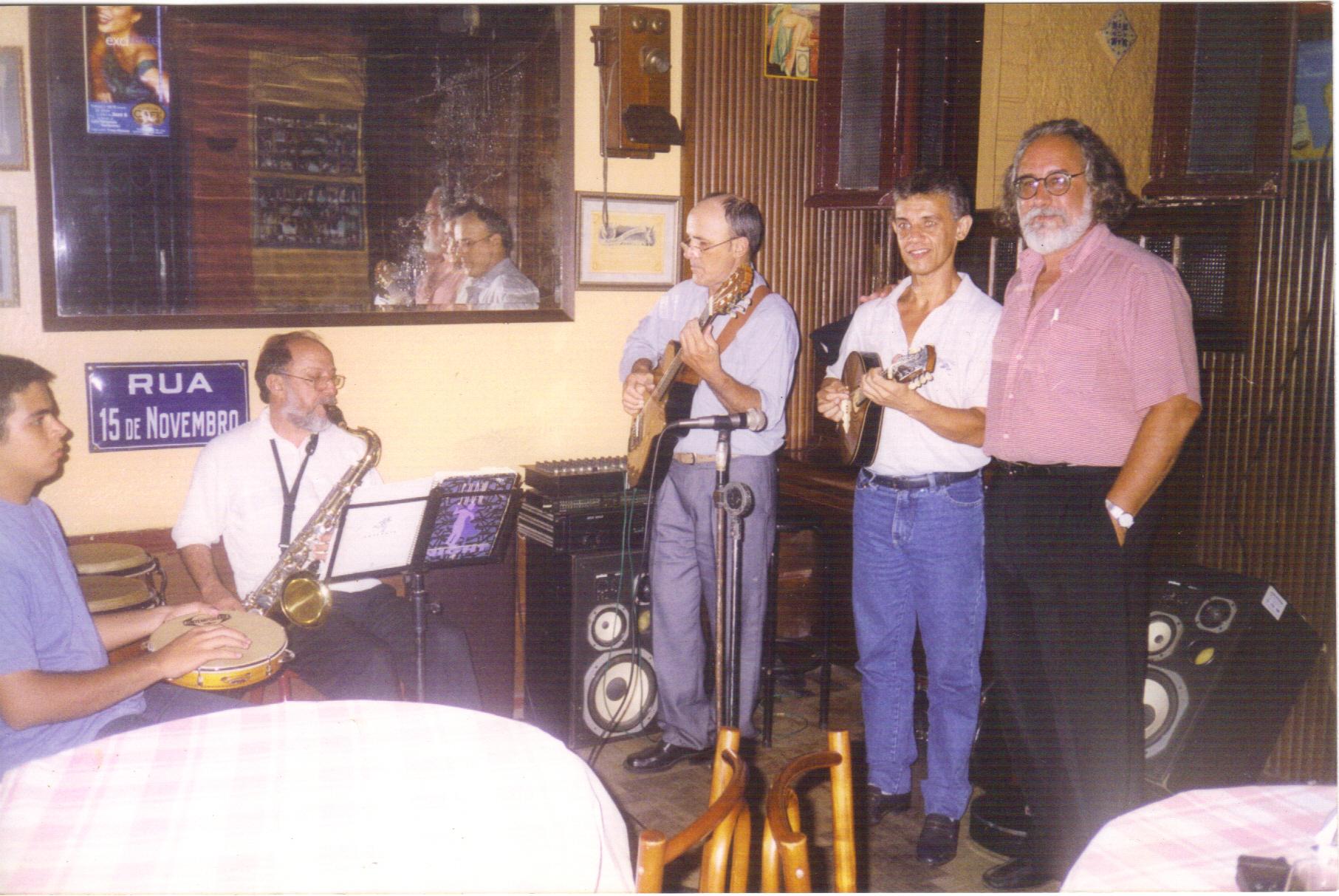Restaurante Rua XV Pelotas 27dez2000