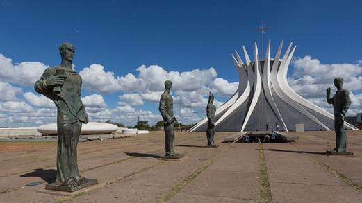 Entrada_principal_da_Catedral_de_Brasíl