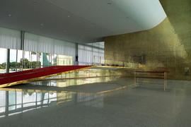 Palacio_da_Alvorada_Entrance.jpg