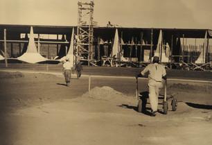Palácio_da_Alvorada_durante_construção.j