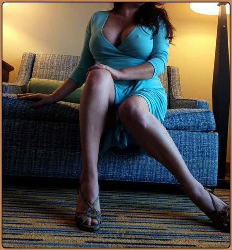 Discreetly Lauren - Mature GFE