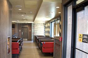 _0005_05-diningroom.jpg