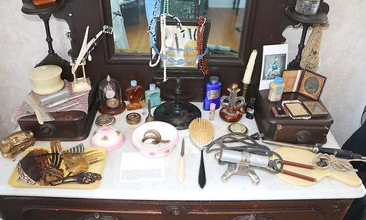 bedroom-dresser.jpg