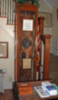 foyer-log.jpg