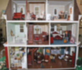 lr-dollhouse-in2.jpg