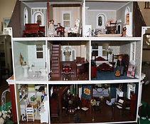 lr-dollhouse-in.jpg