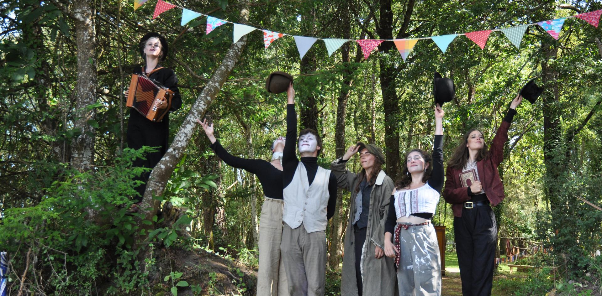 Entrez dans la forêt des artistes