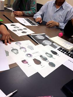 開始與台灣製造廠的訂製會議(貴到爆模具,現場訂三組)